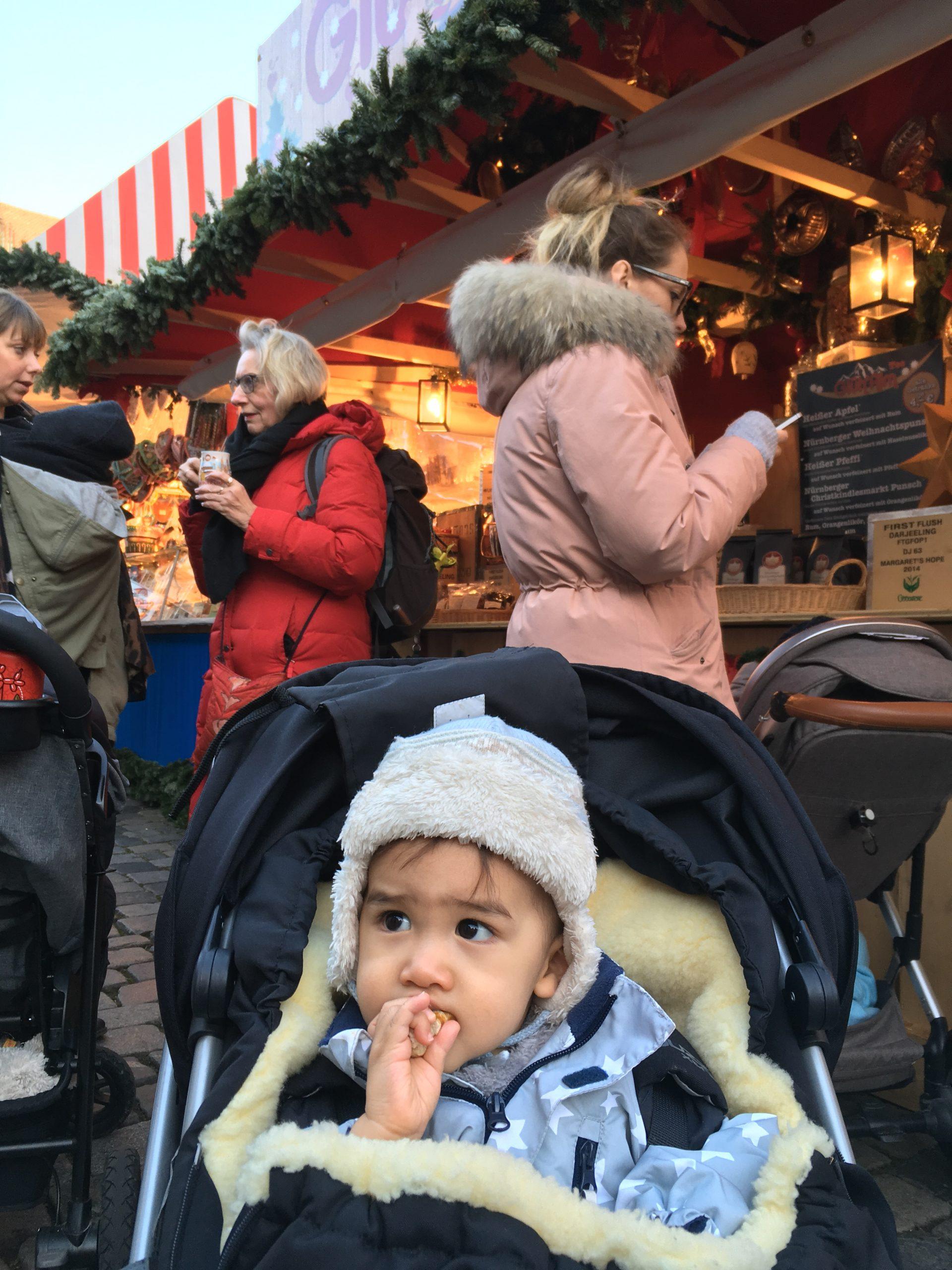小凱逛聖誕市集